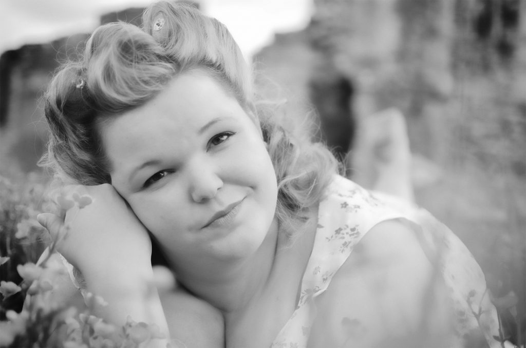Vintage Jazz Singer for Hampshire Events - About Katie